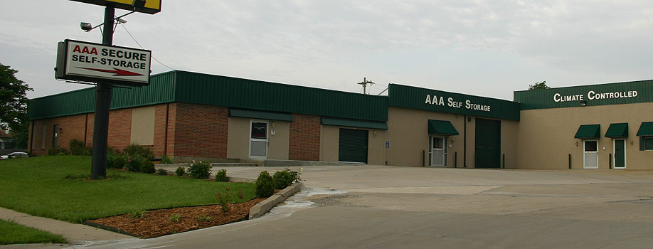 AAA Self Storage office in Topeka